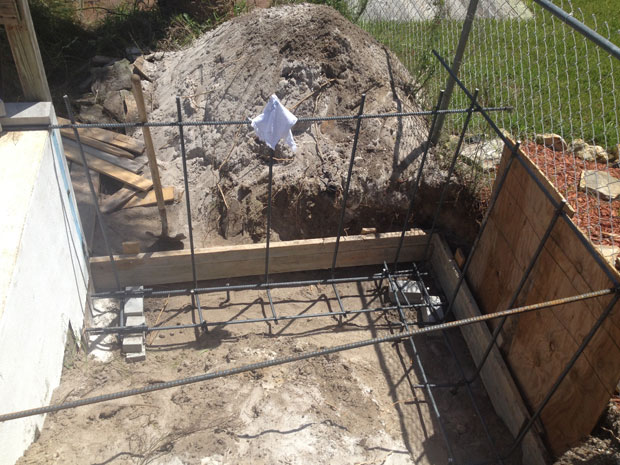 Concrete Block Retaining Wall 02