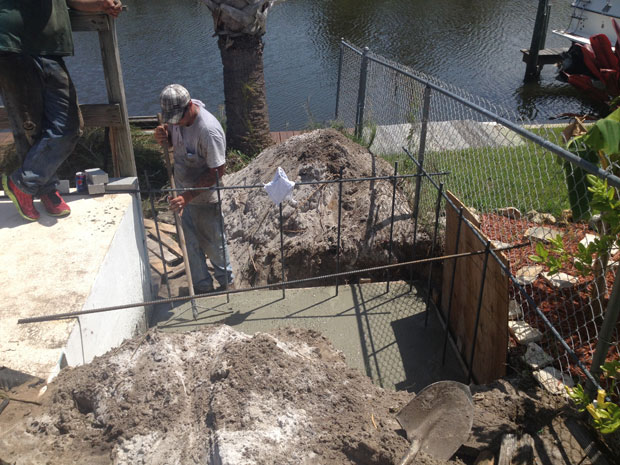 Concrete Block Retaining Wall 04