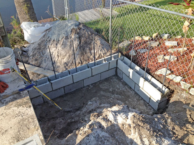 Concrete Block Retaining Wall 07