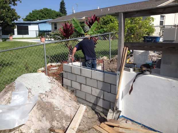 Concrete Block Retaining Wall 09