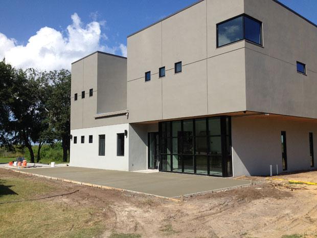 Custom Home Concrete Driveway FL - 13