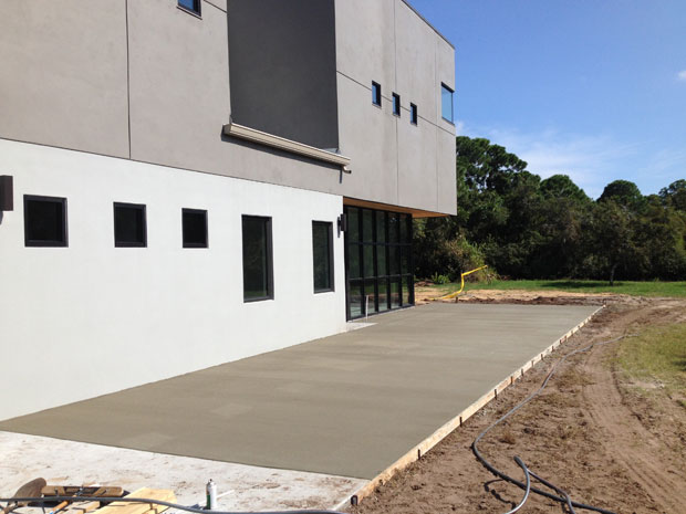 Custom Home Concrete Driveway FL - 15