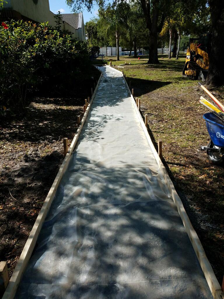 Concrete sidewalk Melbourne Florida - 02