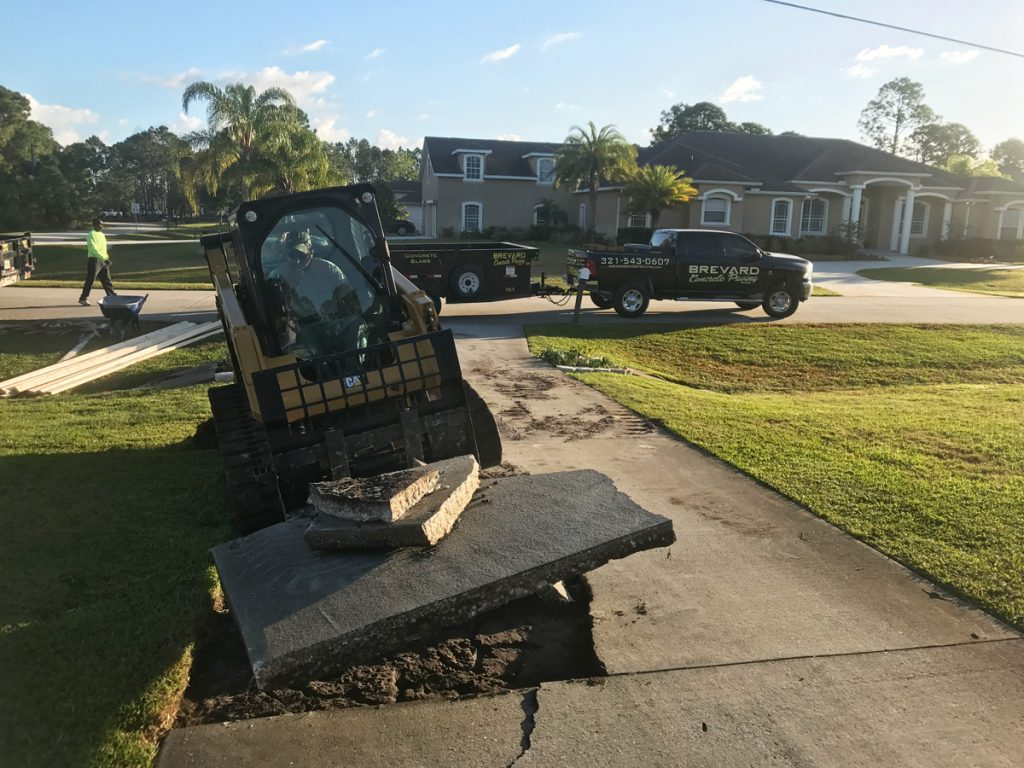 New residential concrete driveway - Mims Florida - 01
