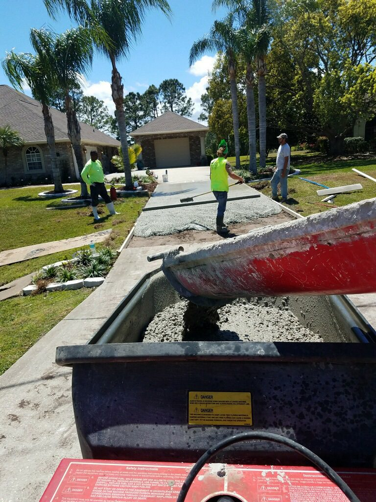 New residential concrete driveway - Mims Florida - 04