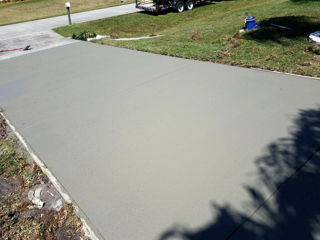 New residential concrete driveway - Mims Florida - 05